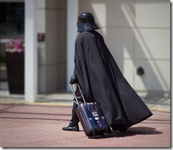 htrh_darth_vader_rolling_luggage_inuse